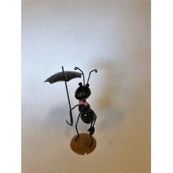 Myra med paraply